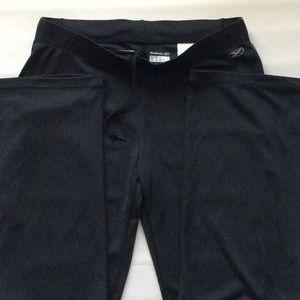 Reebok Black play dry pants Sz M